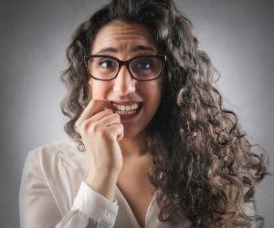5 moments embarrassants quand on porte des lunettes