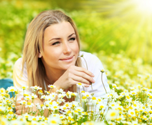 Spring is here: How to avoid eye allergies during pollen season!