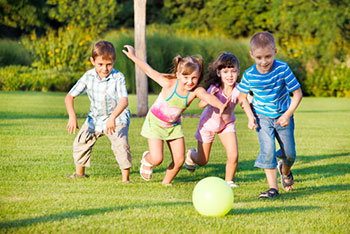Spending time outside linked to improved eyesight for children