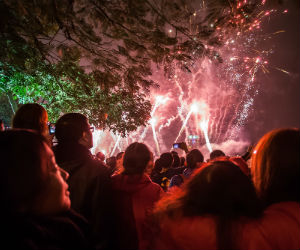 Heading out on fireworks night? Top tips for keeping your eyes safe