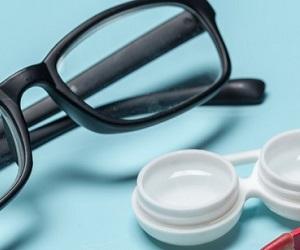 Lentilles ou lunettes ? Pourquoi pas les deux ?