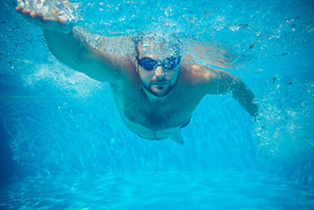 Should you wear contact lenses when you swim? Holiday tips for contact lens wearers