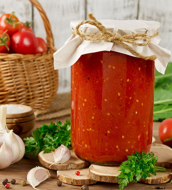Tarro de conserva de tomate casera